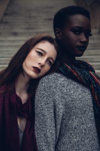 two-women-1246024_1280